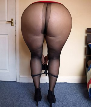 fat-pussy-in-tights-oral-sex-for-elder-couples